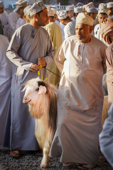 Omani's at the Nizwa Goats Market